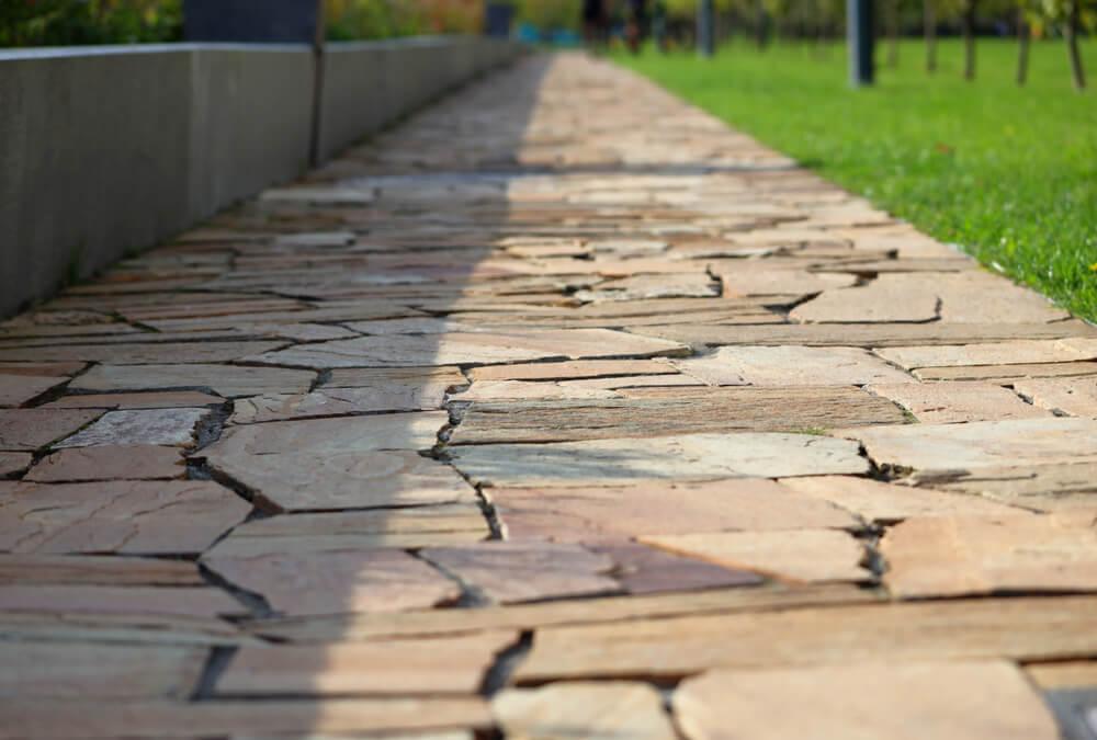 Chodník z pieskovca Bratislava Položíme