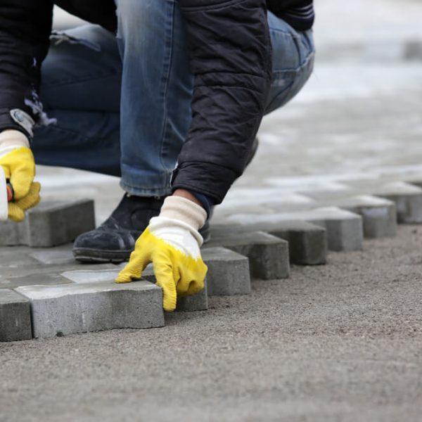 Pokládka zámkovej dlažby na betón Bratislava Položíme